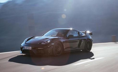 Nieuwe 718 Cayman GT4 RS: één van de scherpst sturende Porsches ooit